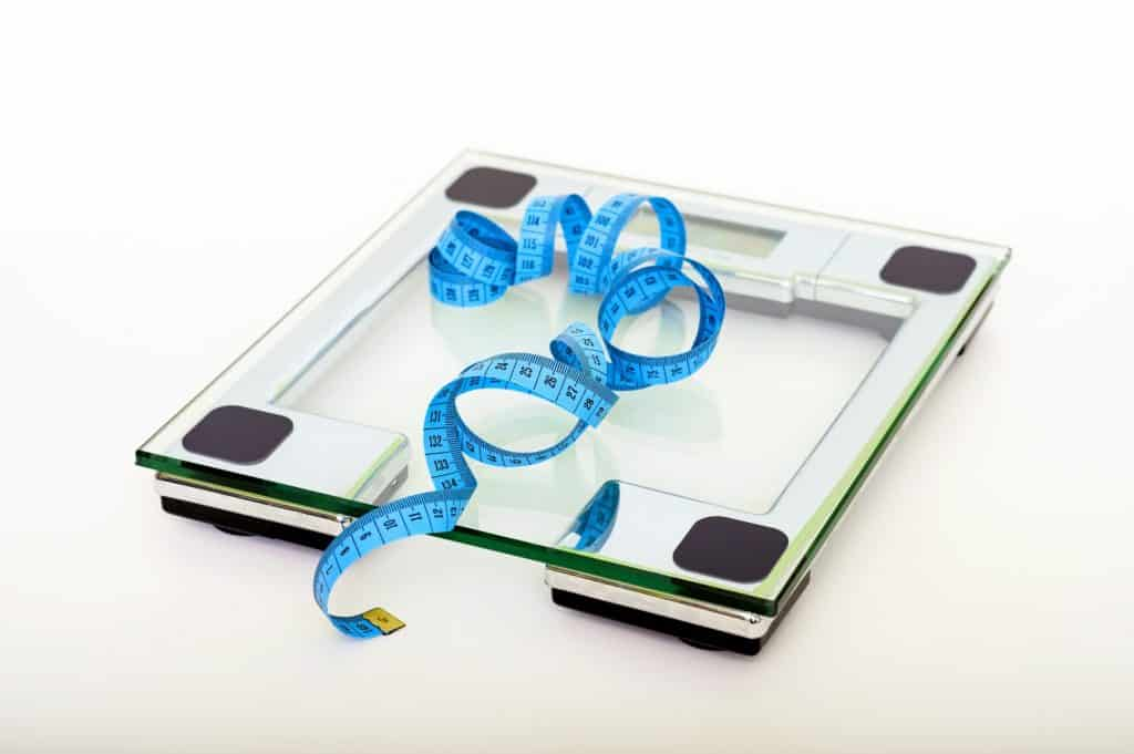 Balance - se peser - calculer son poids et son Indice de masse Corporelle