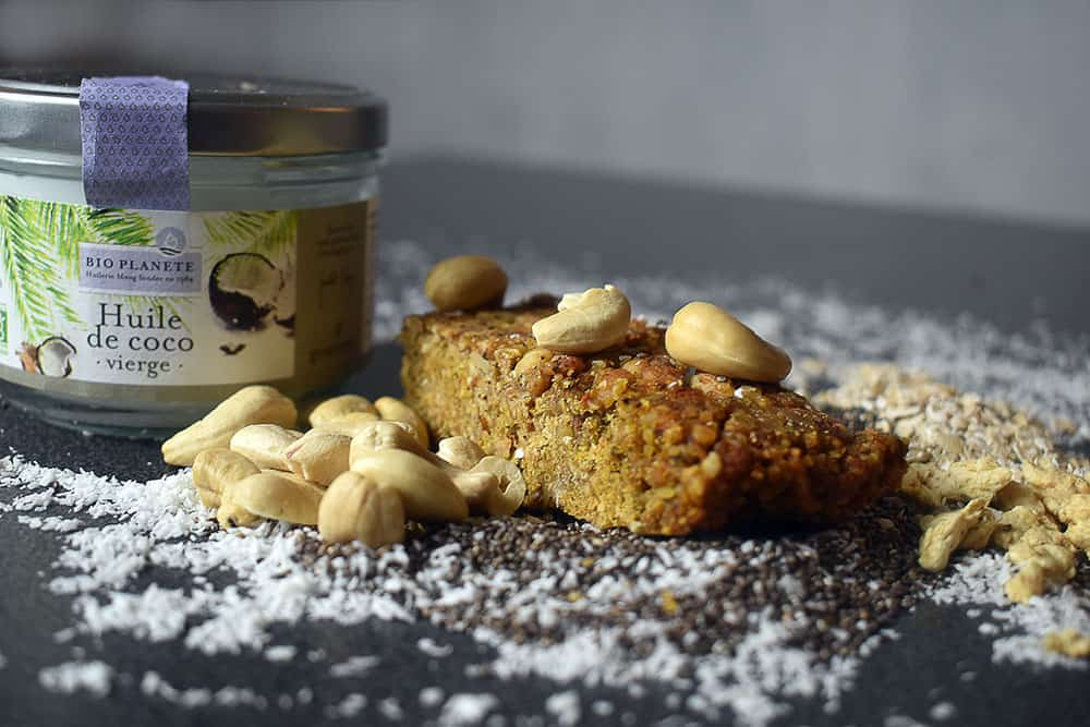 Barres hyper protéinées aux noix de cajou, flocons d'avoine et graines de chia