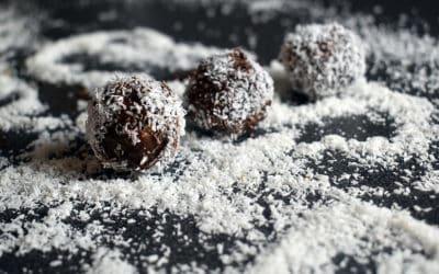 Boules énergétiques aux amandes, dattes et chocolat
